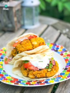 Slimming I often fancy something meat free. These Slimming World friendly Syn Free Halloumi Cous Cous Burgers with Salsa will fill a meat shaped hole! Slimming World Vegetarian Recipes, Slimming World Dinners, Slimming Eats, Slimming World Recipes, Healthy Eating Recipes, Veggie Recipes, Cooking Recipes, Slimming Workd, Healthy Food