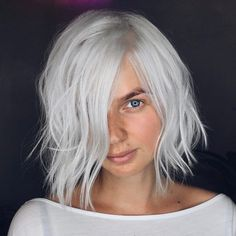 messy bob for thin hair -  not the color, obvi!    Tousled Gray Bob