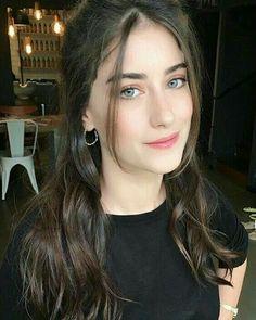Turkish Women Beautiful, Turkish Beauty, Beautiful Eyes, Turkish Fashion, Stylish Girls Photos, Stylish Girl Pic, Girl Photos, Girl Pics, Cute Emo Girls