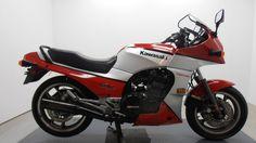 1985 KAWASAKI 900CC GPZ900R (ZX900) $8950