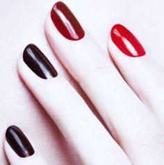 GOTH dark glamour ✤ :: Gothic Ombre Nail Art
