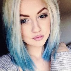 What do you say we give to your blond hair a different look? You do not want to add colorful touches to your blond hair? Colored hair increases its. 2015 Hairstyles, Pretty Hairstyles, Dip Dye Hair, Dyed Hair Ends, Dip Dyed, Dyed Hair Pastel, Coloured Hair, Hair Images, Colorful Hair