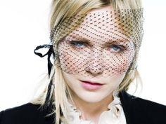 News on Beauty: BEAUTY PORTRAIT | Kirsten Dunst in 10 looks