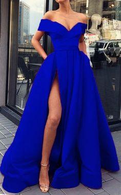 Royal Blue Evening Dress, Royal Blue Prom Dresses, Pretty Prom Dresses, Blue Evening Dresses, Gala Dresses, Elegant Dresses, Beautiful Dresses, Royal Blue Long Dress, Cobalt Blue Dress