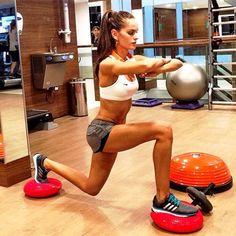 Fitness-Videos von Izabel GoulartVictoria's-Secret-Engel Izabel Goulart hat mit Abstand den knackigsten Sixpack auf dem Laufsteg. Wie hart
