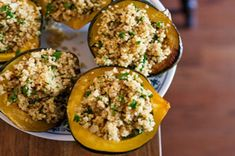 Courge farcie au quinoa, au persil et au féta