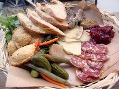 Ploughman's Lunch ... hard cheese, hard sausage