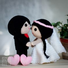 Play our song, dance with me, and I will remember this dance for as long as I live. #weddingdolls #wedding #saplanetoriginals #crochet #handmade #amigurumi #decoration #gifts