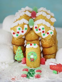 Build a festive holiday house with Twinkies and Sno Balls!  No baking required!  #HostessHoliday #HostessHolidaySweeps #sponsored