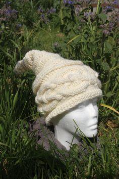 Bonnet écru à torsades tricoté main de la boutique CedrikOttemin sur Etsy
