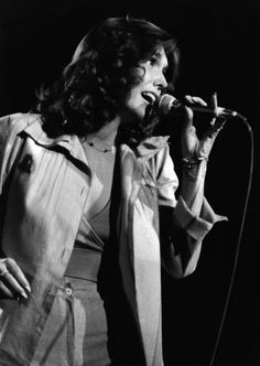 "If i could have anyone's voice, it would be Karen Carpenter""s."