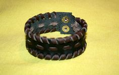 Bekijk dit items in mijn Etsy shop https://www.etsy.com/listing/496638467/black-and-brown-leather-braided-bracelet