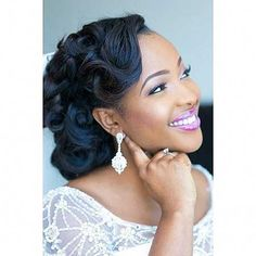 16. Updo Hochzeit Frisur für schwarze Frauen