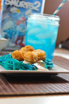 #ad See how @countingtoten_ has a BLUE movie night with Smurfs 2 & @Tyson Foods #TastyTenders http://cbi.as/nyiqt #cbias
