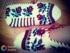 #siparişpatik #sandikgüzelleri #Ceyizlikpatik ₺#modelpatikler #beşşişpatik Crochet Slippers, Diy And Crafts, Socks, Embroidery, Instagram, Fashion, Moda, Needlepoint, Fashion Styles