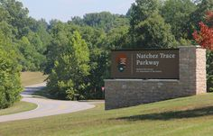 Driving the Natchez Trace Parkway: A Road Trip within a Road Trip | Gadling.com