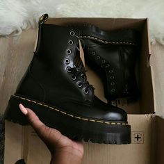 Doc Martin platform boots dr Martin boots leather boots lace up black boots Cute Shoes, Me Too Shoes, Look Fashion, Fashion Shoes, Doc Martens Outfit, Shoe Boots, Shoes Heels, Dress Shoes, Aesthetic Shoes