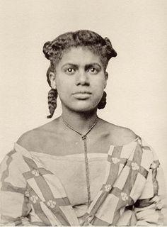 Foto's van Surinamers vertoond tijdens de Koninklijke Wereldtentoonstelling van 1883 op het Museumplein. Bron: Buku (Bibliotheca Surinamica).