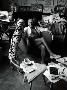 Pablo Picasso with dog I love how the place is a mess. Great artists aren't very tidy. Pablo Picasso, Kunst Picasso, Art Picasso, Picasso Paintings, Oil Paintings, Landscape Paintings, Picasso Sketches, Watercolor Artists, Oil Painting Abstract