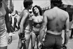 Venice, California, 1979 by Garry Winogrand Garry Winogrand, Best Street Photographers, New York Photographers, Bw Photography, Street Photography, Venice California, Robert Frank, Diane Arbus, Walker Evans