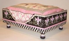 Great idea fro drawers of this type.  Jakey BB Uniquely Handcrafted Doggie Beds