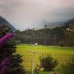 Es braut sich was zusammen aber morgen passts schon wieder  #Kitzsteinhorn #stgeorgalive #esgibtkeinschlechteswetternurschlechtekleidung #wasserfürdieblumen Mountains, Nature, Travel, Instagram, Kaprun, Mornings, Wedding Bride, Naturaleza, Viajes