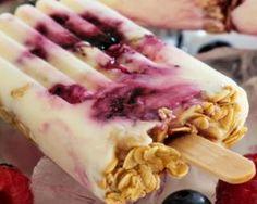 Glaces régime au yaourt, fruits rouges et flocons d'avoine : http://www.fourchette-et-bikini.fr/recettes/recettes-minceur/glaces-regime-au-yaourt-fruits-rouges-et-flocons-davoine.html