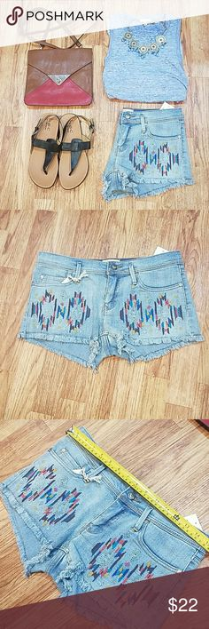 NWT Roxy Embroidered Cut Off Jean shorts New with tags. No flaws. Questions welcome. See photos. Size 5/27. Roxy Shorts Jean Shorts