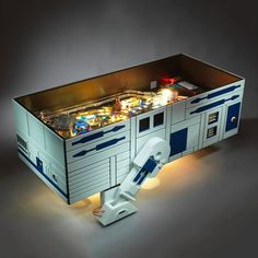 Star Wars pinball R2D2 Coffee Table