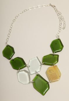 High Museum of Art — Kathleen Plate - Green Glass 8-pc.necklace