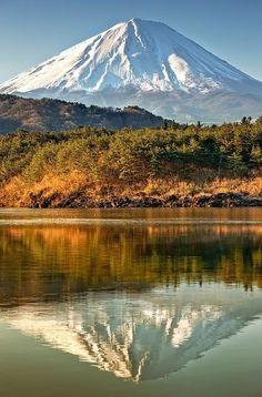 mt-nature:  Le reflet du Mont Sacré Fuji dans l'eau …..