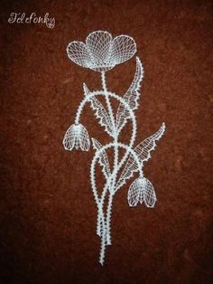 Discover recipes, home ideas, style inspiration and other ideas to try. Bobbin Lace Patterns, Embroidery Patterns, Lace Art, Lacemaking, Creative Embroidery, Thread Painting, Lace Jewelry, Lace Detail, Needlepoint