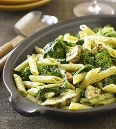 Chicken Pesto #Pasta requires just five ingredients! This dinner is a fan favorite. http://www.parents.com/recipe/chicken/penne-pesto-with-chicken/?socsrc=pmmpin111312fPennePesto (Baking Chicken Pesto)