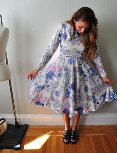 Hey, I found this really awesome Etsy listing at https://www.etsy.com/listing/219343783/floral-day-dress-large-medium-vintage