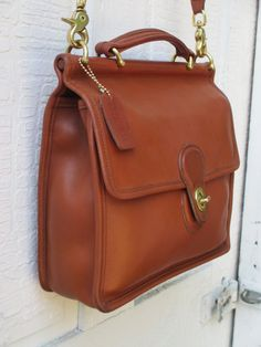 Vintage Coach Willis // Leather Messenger Bag // by FeelsFree