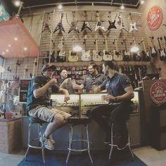 Mais um dia entre amigos aqui na Garagem! Você também está convidado para fazer parte do nosso #Cafédas18 !
