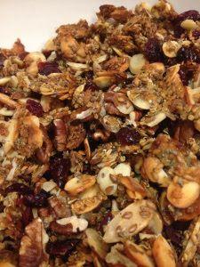 Gluten Free Granola and other healthy granola recipes on MyNaturalFamily.com #granola #recipe