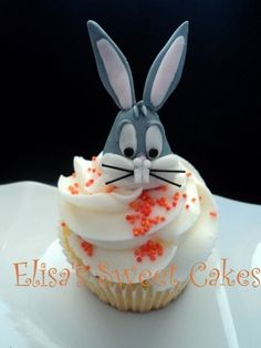 Bugs Bunny Cupcake By Mariafg on CakeCentral.com