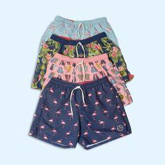 El verano nos inspira: Flores tropicales, flamencos y colores para los shorts de hombre. #Fashion #Moda