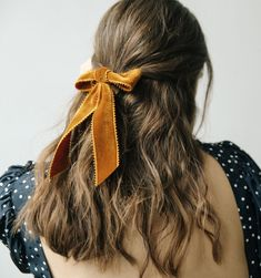 These Winter Hairstyles Will Take Your Breath Away - Coiffure Sites Winter Hairstyles, Trendy Hairstyles, Braided Hairstyles, Christmas Hairstyles, Bun Hairstyle, Hairstyles For Summer, Gorgeous Hairstyles, Modern Haircuts, Medium Hairstyles
