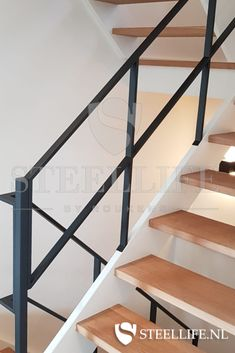 Open Trap, Building A House, Home Improvement, Sweet Home, Stairs, Windows, Ceiling Lights, Flooring, Interior Design