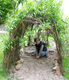 child crawls through a willow tunnel, Kids Outdoor Play, Outdoor Play Spaces, Outdoor Fun, Natural Playground, Outdoor Playground, Sensory Garden, Outdoor Classroom, Outdoor Projects, Dream Garden
