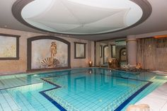 After a long day, a spa treatment is simply the perfect must have luxury for relaxing soaks.