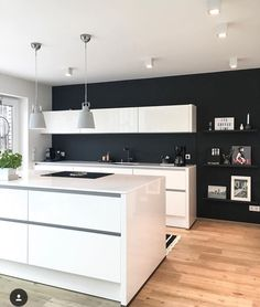 Happy Kitchen, Dream Apartment, Kitchen Stuff, Room, Home Decor, Home And  Garden, House Styles, Life, Black Walls, Dark Walls, Living Room Paint, ...