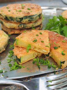 Paneroidut kesäkurpitsakiekot Salmon Burgers, Ethnic Recipes, Food, Instagram, Essen, Meals, Yemek, Eten