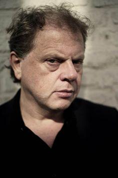 De Nederlandse schrijver Bas Heijne (56) krijgt de prestigieuze P.C. Hooft-prijs voor Letterkunde. Aan de prijs is een bedrag van 60.000 euro verbonden.