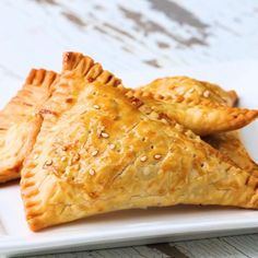 Featuring Spicy Beef And Pork Empanadas, Easy Fried Beef Dumplings (Gyoza), Beef And Cheese Empanada and Chicken Yucca Empanada Meat Recipes, Mexican Food Recipes, Cooking Recipes, Snacks Recipes, Dinner Recipes, Quiches, Beef Dumplings, Tapas, Beef Empanadas