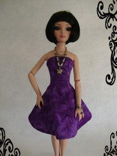 Batik print dress with coordinating jewelry for Ellowyne Wilde