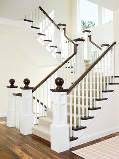 Best White Paint Colors by Benjamin Moore - Home Bunch Interior Design Ideas Foyer Paint Colors, White Paint Colors, Paint Colors For Home, House Colors, Interior Trim, Luxury Interior Design, Best Interior, Interior Ideas, Wood Balusters