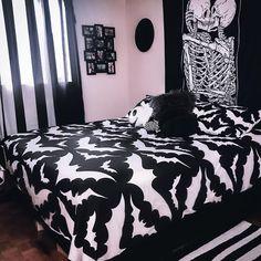 Dark Home Decor, Goth Home Decor, Home Decor Bedroom, Horror Room, Horror House, Hipster Home Decor, College Room Decor, Horror Decor, Vintage Goth